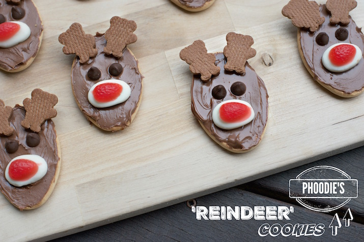 easy christmas cookies aka reindeer biscuits by phoodie